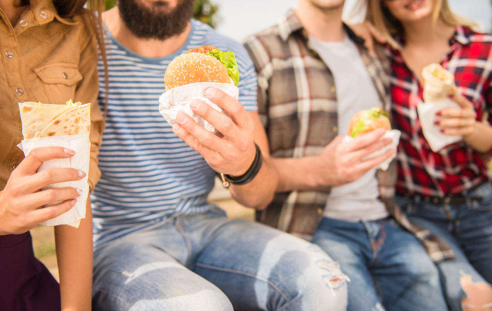 6 Ways to Hire and Retain Quality Fast Food Staff without Slashing Profit