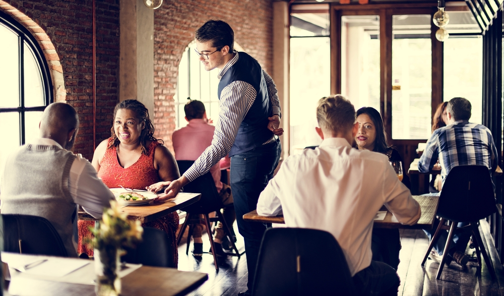 Three Tactics to Decrease Hiring Costs in Food Service